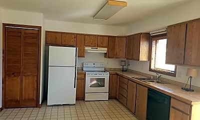 Kitchen, 529 E Golf Pl, 1