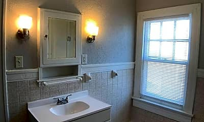 Bathroom, 513 W Fairview Ave, 2