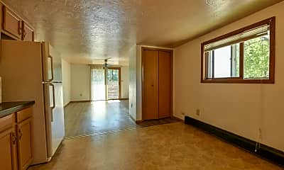 Living Room, 895 Howard St, 0