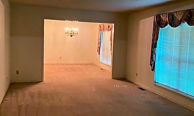 Living Room, 908 Kings Ct, 1
