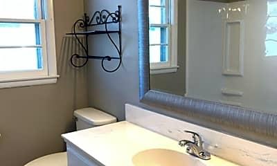 Bedroom, 2742 S Stewart Ave, 2
