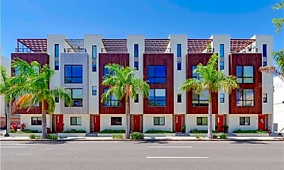 Building, 819 Arlington Ave N, 1