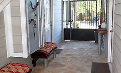 Patio / Deck, 1129 W Ashby Pl 11, 2