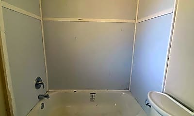 Bathroom, 1672 W 2nd St, 2