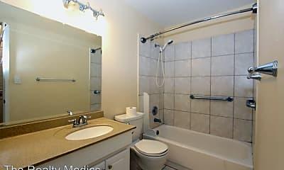 Bathroom, 240 Moree Loop, 2