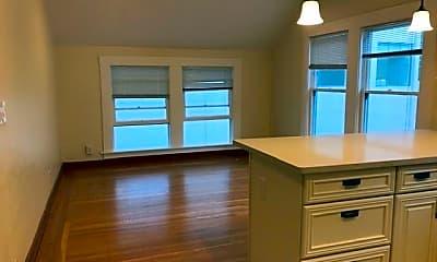 Bedroom, 525 Hamilton Ave, 2