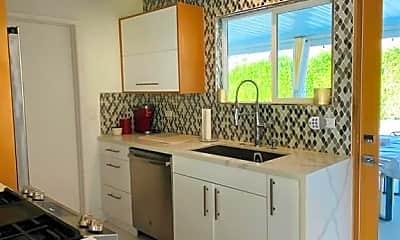 Bathroom, 2101 N Viminal Rd, 2