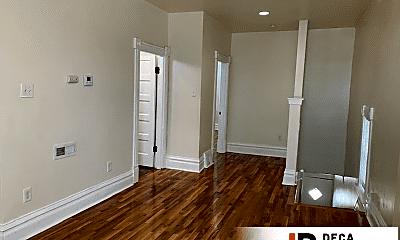 Living Room, 5104 Southwest Ave, 2