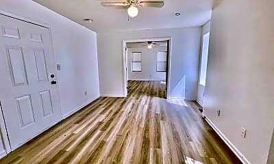 Living Room, 1013 Benton Blvd, 1