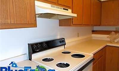Kitchen, 324 Joseph St, 1