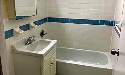 Bathroom, 162 Stockholm St, 1