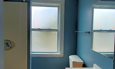 Bathroom, 2520 Main St, 2