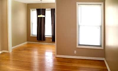 Bedroom, 5508 N Kenmore Ave 2, 1