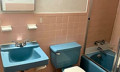 Bathroom, 414 E Avenue A, 2