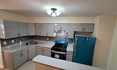 Kitchen, 776 E 213th St 3, 1