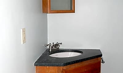 Bathroom, 9 Silk St, 2