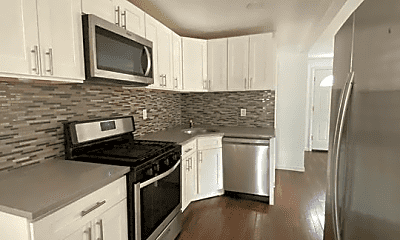 Kitchen, 2835 Roberts Ave, 0