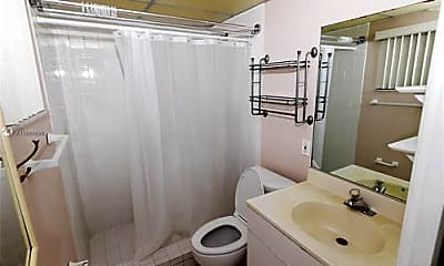 Bathroom, 8400 SW 133rd Avenue Rd, 2