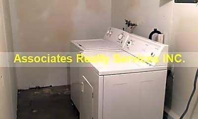 Bathroom, 776 NW 15th St, 2
