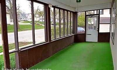 Patio / Deck, 202 E 18th St, 1