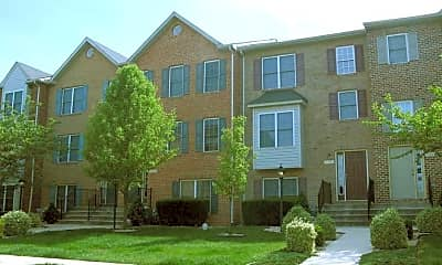 Lyles Farms Apartments, 1