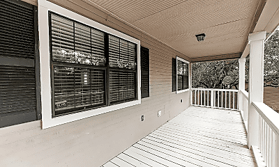 Patio / Deck, 208 S Cougar Ave, 2