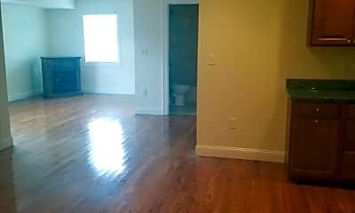 Living Room, 960 Salem St, 1