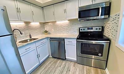 Kitchen, 3312 S 28th St 404, 1