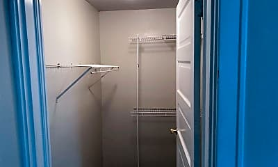 Bathroom, 416 E Maxwell St, 2