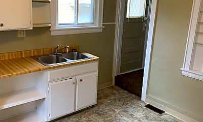 Kitchen, 1372 Andrus St, 2