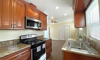 Kitchen, 1709 Lewis Ave, 0