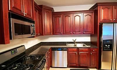 Kitchen, 267 E Railroad Ave 301, 2