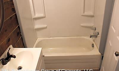 Bathroom, 624 W 11th St, 2