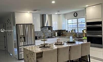 Kitchen, 1522 E Hawthorne Cir 0, 1
