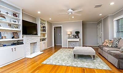 Living Room, 201 N Pinecrest Dr, 1