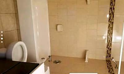 Bathroom, 4282 Central Rd, 1