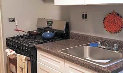 Kitchen, 800 E 14th St, 1