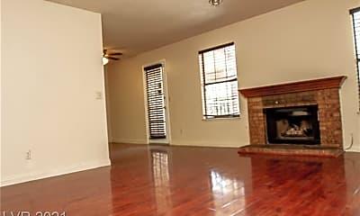 Living Room, 5576 W Rochelle Ave 26C, 1