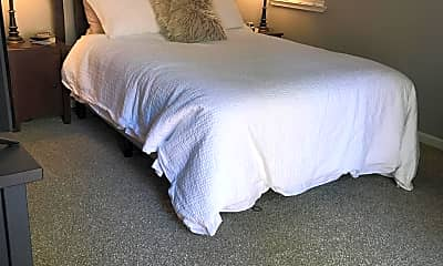 Bedroom, 336 Sawtell, 2