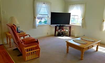 Living Room, 101 N Wilson Ave, 1