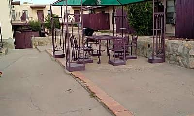 La Cuesta Garden Apartments, 2