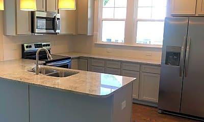 Kitchen, 542 Twin Lake Rd, 1