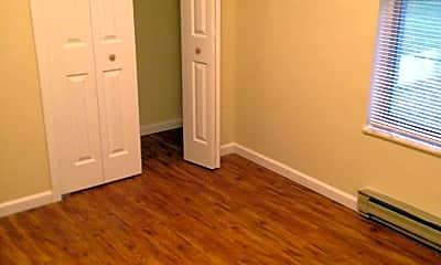 Bedroom, 307 E Hackberry St, 2