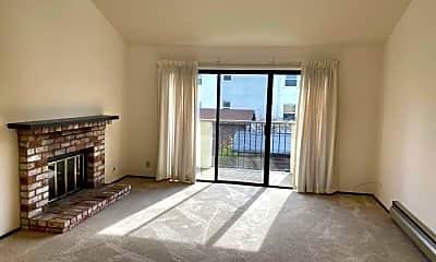 Living Room, 1119 Chula Vista Ave, 1