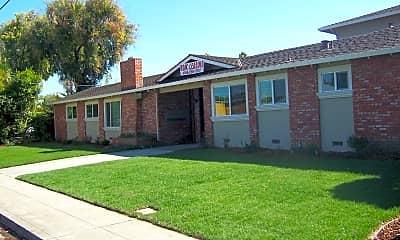 Building, 535 Saratoga Ave, 1
