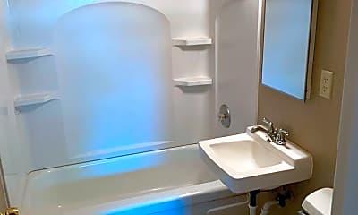 Bathroom, 2601 SE 4th Ave, 2