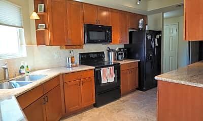 Kitchen, 8914 S Heather Dr, 1