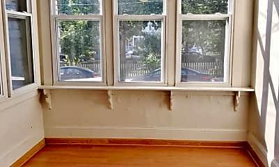 Living Room, 5932 Elwood St, 2