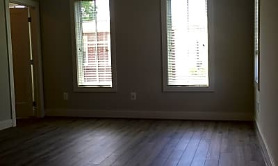 Living Room, 920 N Buchanan Ct, 2