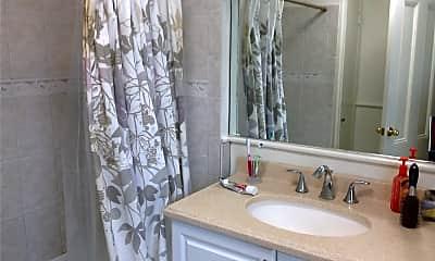 Bathroom, 39 E Carver St, 1